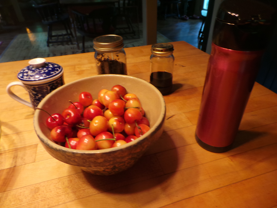Life, still. Cherries, bowl.